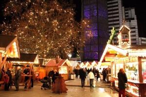 Der Weihnachtsmarkt um die Gedächtniskirche. (Photo Huber)