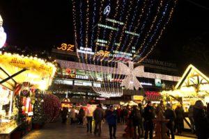 Weihnachtsmarkt an der Gedächtnis-Kirche.