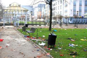 Wie hier ist auch im Tiergarten eine Putz-Aktion notwendig. Foto:Rike / pixelio.de