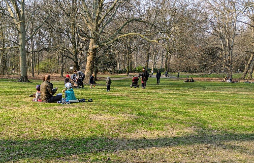 Grünanlagen wie der Tiergarten sind beliebte Ausflugsziele.