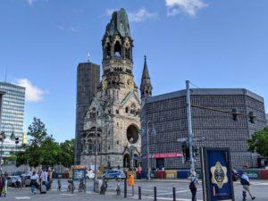 Die City West lädt zum Kultursommer auf den Breitscheidplatz.
