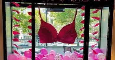 Alles pink zum Pinktober im Hard Rock Cafe am Kurfürstendamm Berlin.